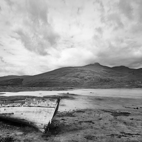 Abandoned boat and Ben More