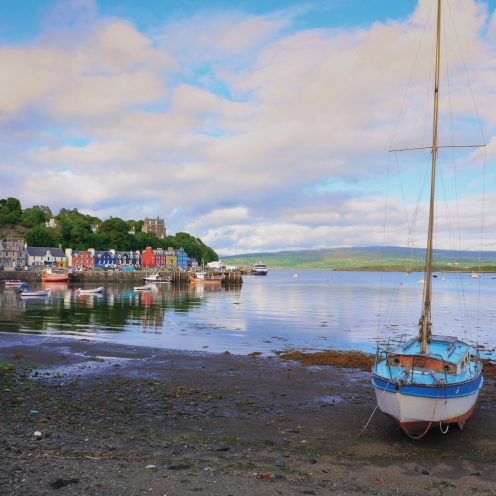 Solitary yacht at Tobermory