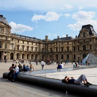 Le Louvre museum concourse, Paris